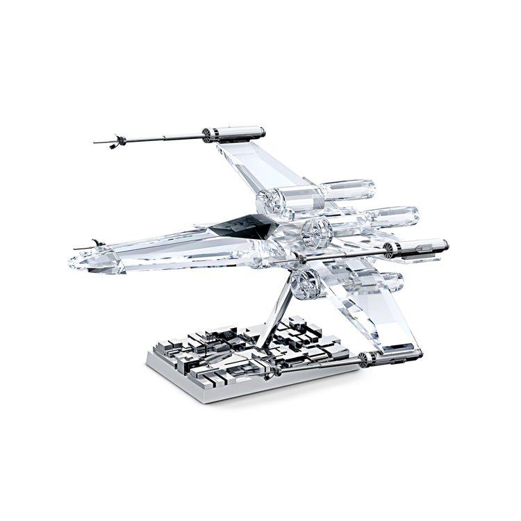 SWAROVSKI x STAR WARS X-Wing戰機擺件,14,900元...