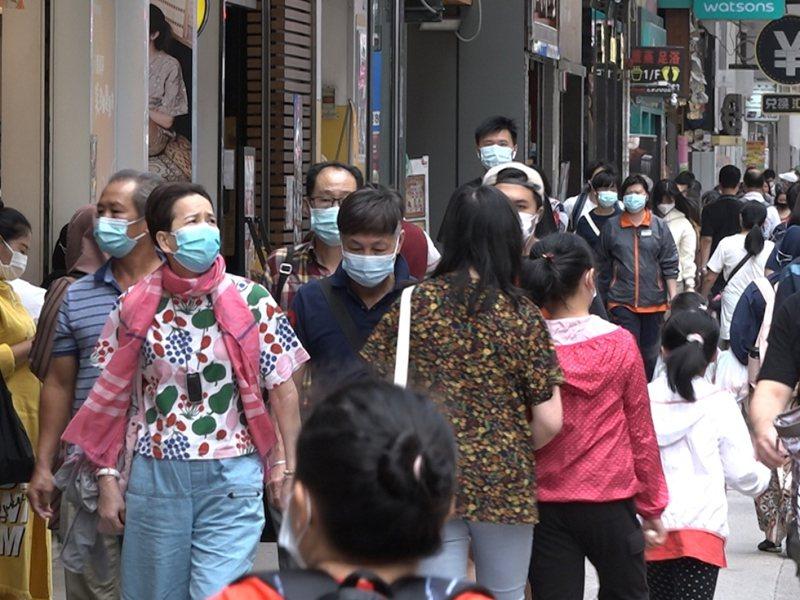 港媒報導,香港今日新型肺炎確診個案增加超過100例,約有114例。(香港電台)