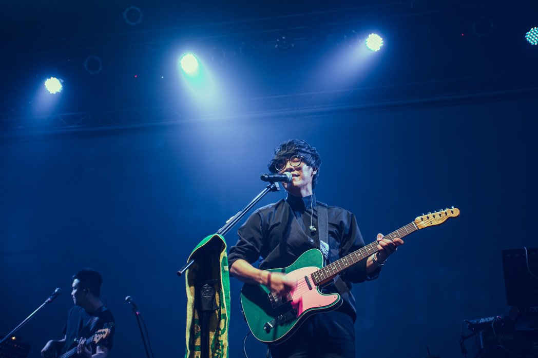 盧廣仲昨晚台中專場首唱新歌「明年」。圖/添翼提供