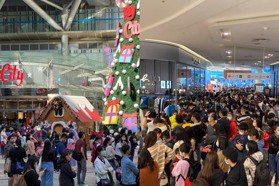 新竹人擠爆巨城!周年慶四天50萬人加入血拼業績衝12億