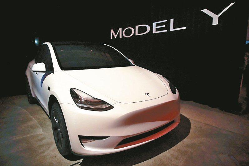 2021年上海工廠將開始交付Model Y,預計會再掀一番風潮,加上各主流車系推出電動車款,預計2021年全球銷售量可達340萬輛。(本報系資料庫)