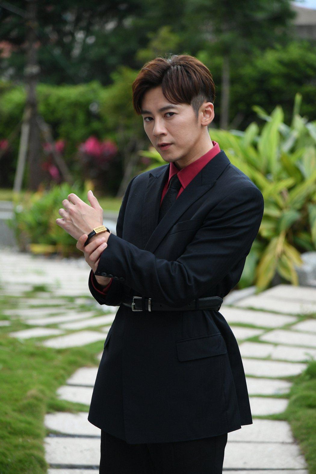 李國毅演出「廢財闖天關」受到韓國粉絲矚目。圖/三立提供