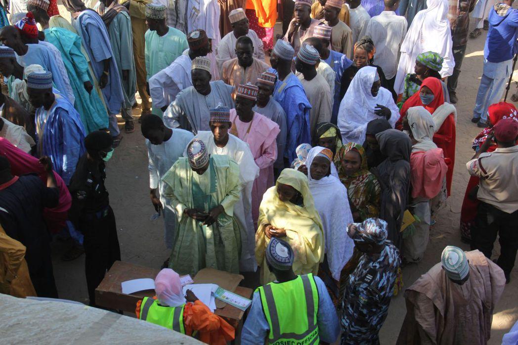 奈及利亞官方起初宣稱博科聖地之所以大開殺戒,是因為大批軍警才會集中在邁城中心地區...