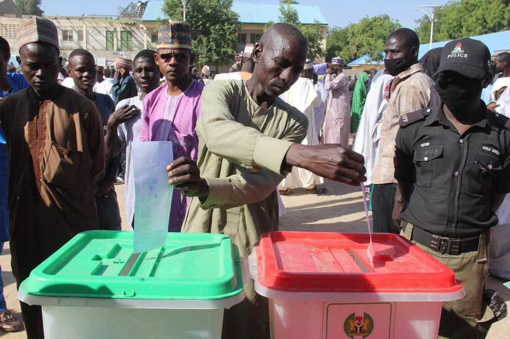 11月28日,邁古杜里11年來首次舉行地方投票。根據科紹比慘案的生還者說法,博科...