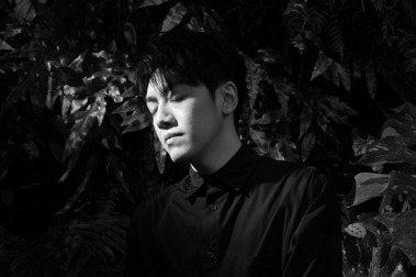 創作歌手李友廷:情緒上賺來的快樂和累積的痛苦,想辦法在當下就花掉