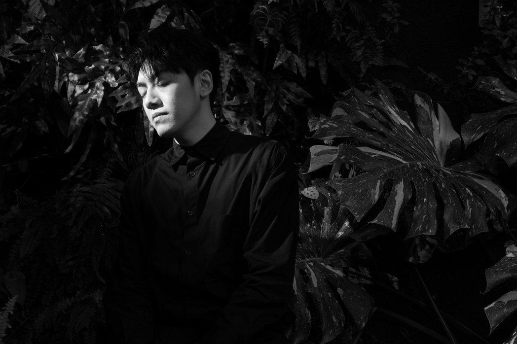 李友廷認為,若是能在音樂這個職業中盡到一點心力,進而讓社會變成更期望的樣子,即便...