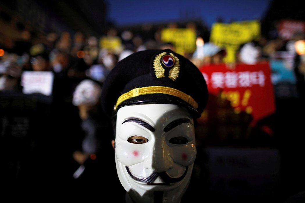 2018年,大韓航空再度因為趙家形象不當、濫用職權而引發爭議。於堅果門後,大韓航...