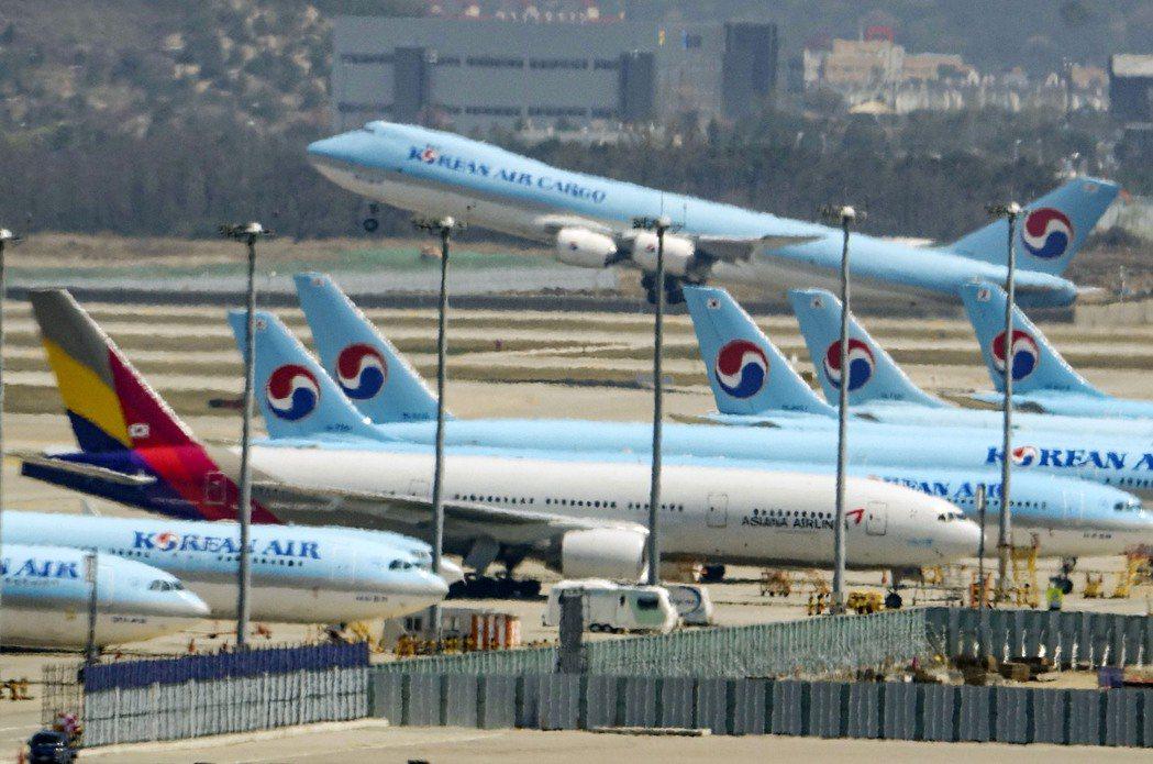 這次由政府財團聯手收購航空公司,除穩定國家重要產業,亦有重新整頓南韓航空產業的意...