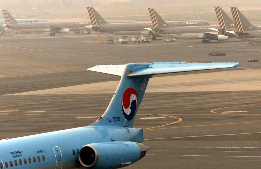 根據已公佈的計劃,國有的韓國產業銀行將向大韓航空母公司韓進集團注資5,000億韓...
