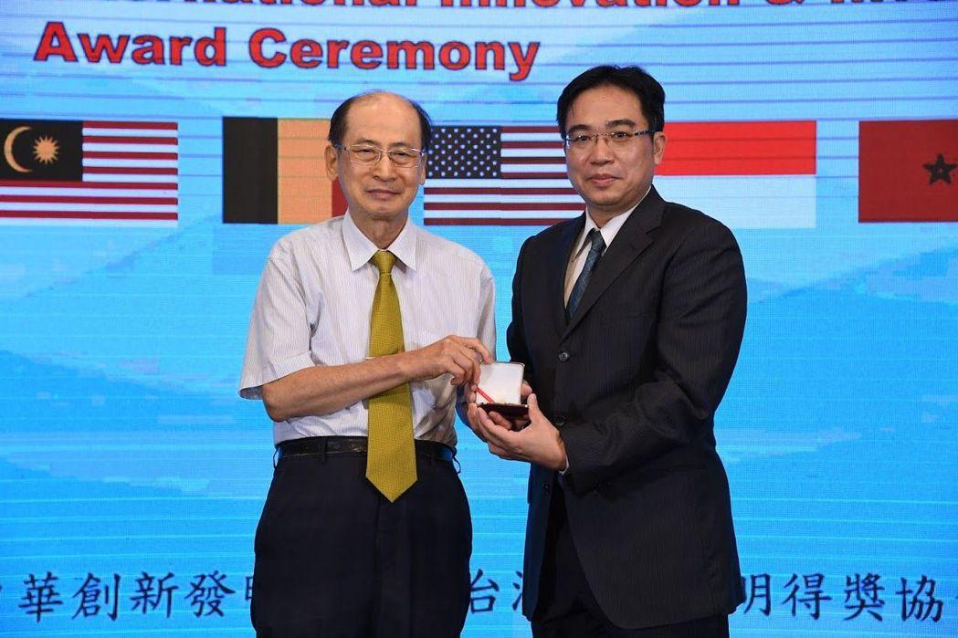 吳裕仁教授榮獲國際創新發明金牌獎。 美和/提供