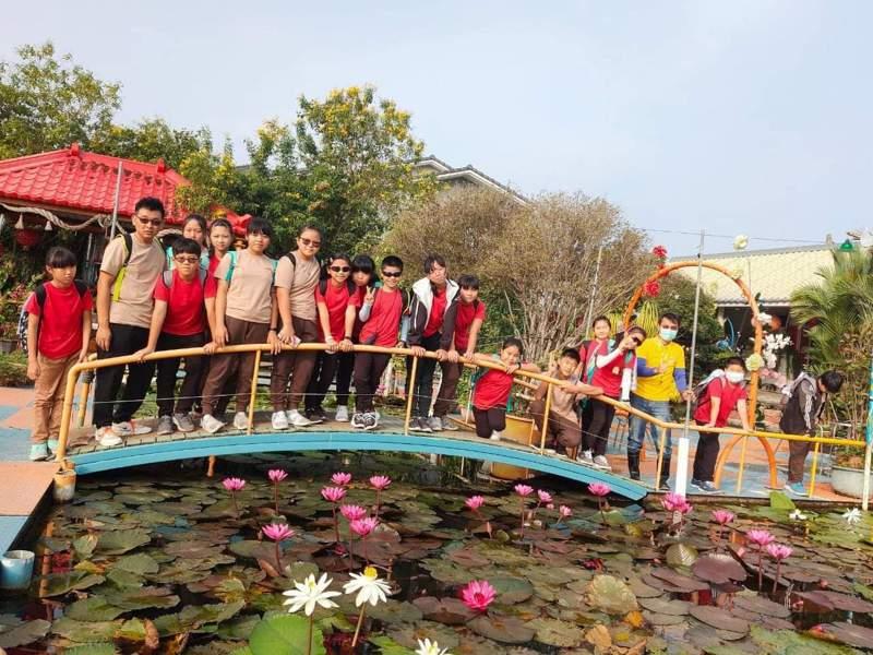 嘉義縣和順國小學生們前天走讀台南市。記者卜敏正/翻攝