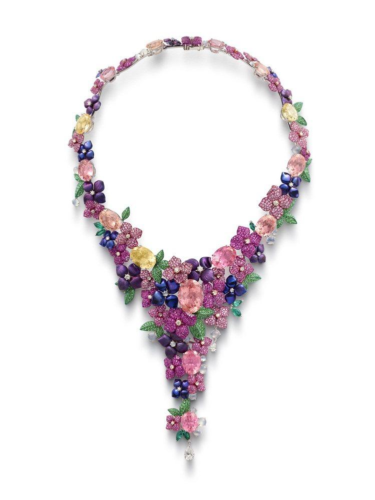 蕭邦紅地毯系列項鍊,獲公平採礦認證之18K白金與鈦金鑲嵌碧璽、粉色剛玉、沙弗莱石...
