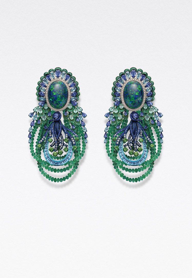 蕭邦紅地毯系列項鍊耳環,獲公平採礦認證之18K白金與鈦金鑲嵌、黑蛋白石、托帕石、...
