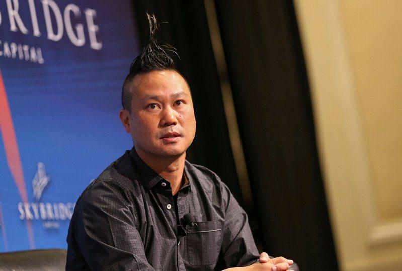 鞋商Zappos的台裔創辦人謝家華驟逝。(路透)