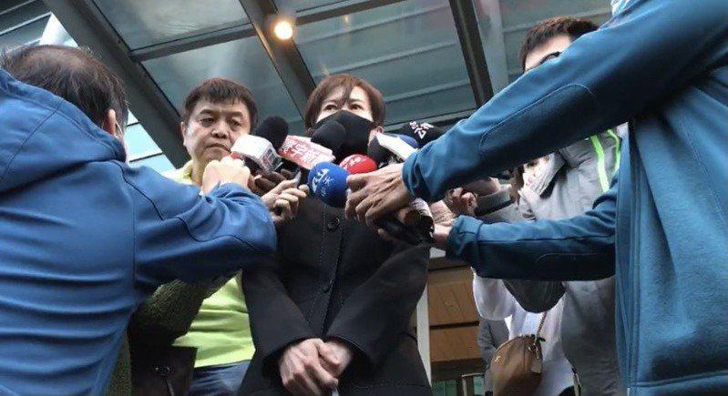 中天新聞台總監梁天俠庭後受訪。記者賴佩璇/攝影