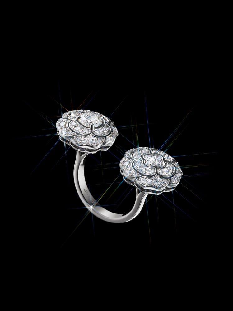 BOUTON de CAMÉLIA指間戒,18K白金鑲嵌鑽石,123萬7,000...