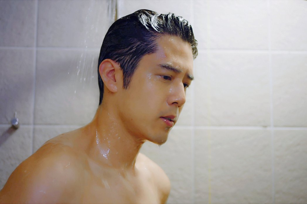 胡宇威洗澡戲收視創新高。圖/東森提供