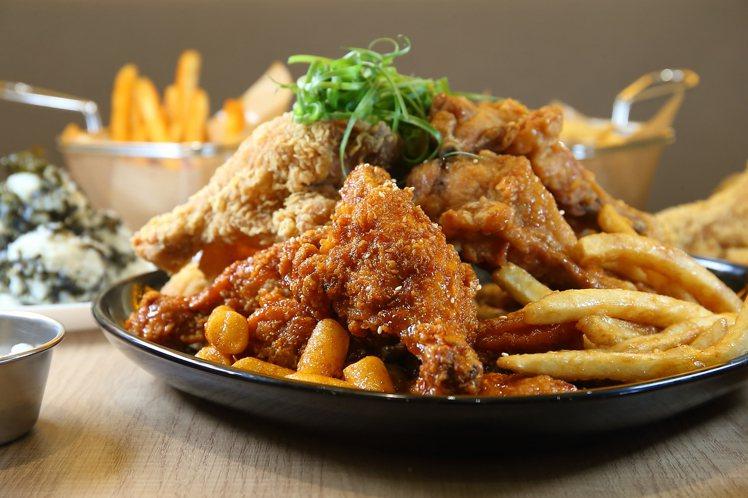 NeNe Chicken北車概念店,同樣提供多種口味的炸雞組合。記者陳睿中/攝影