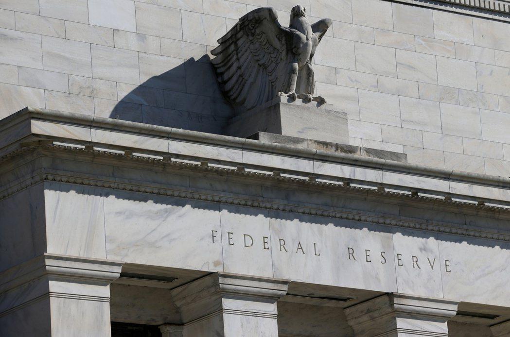 整體債券型基金今年累計資金淨流入金額高達3,448億美元,市場預期,美Fed可望...