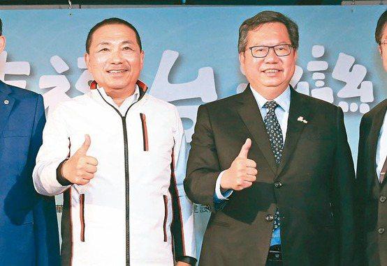 新北市長侯友宜(左)、桃園市長鄭文燦(右)。 記者潘俊宏/攝影