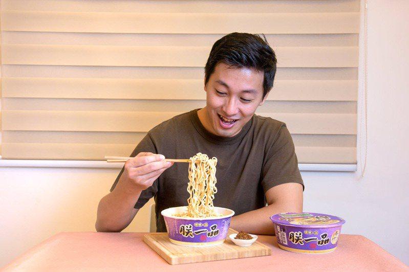 「朕一品金門高坑牛肉麵」從金門紅回台灣,饕客試吃後表示:「完美復刻!」。 圖/吳彥峰 攝影