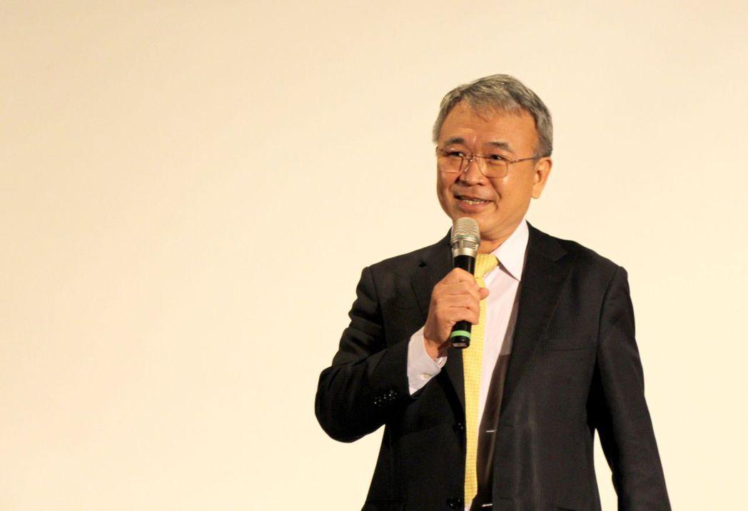 義大校長陳振遠鼓勵同學強化解決問題能力,實習時好好磨練與學習。 義守大學/提供