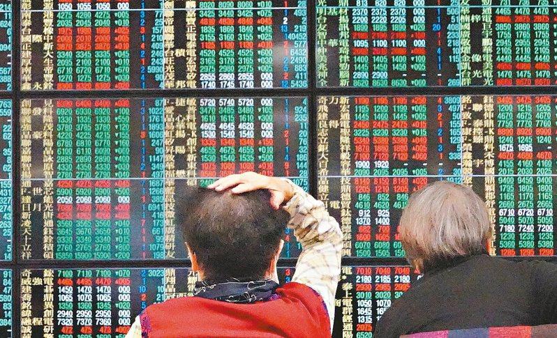 台股1日上漲162點,收在13885.67點,不僅收在今天最高點,也再創歷史收盤新高。 聯合報系資料庫
