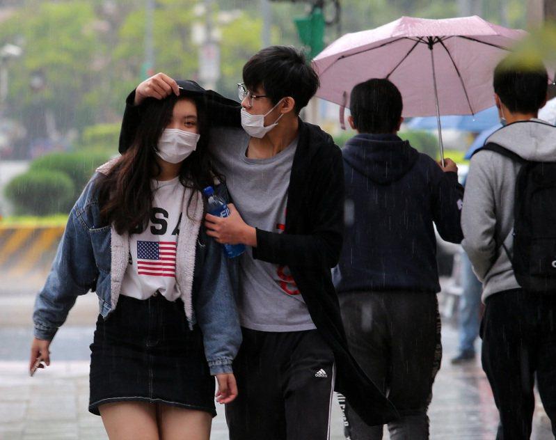 中央氣象局表示,目前觀察3日會再有一波冷空氣南下,當天低溫預估約15至17度。聯合報系資料照/記者林澔一攝影