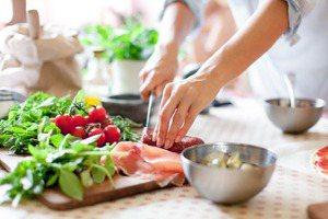 身體毒素排不出恐終身洗腎救命! 餐桌常見「這些食物」都能幫五臟排毒