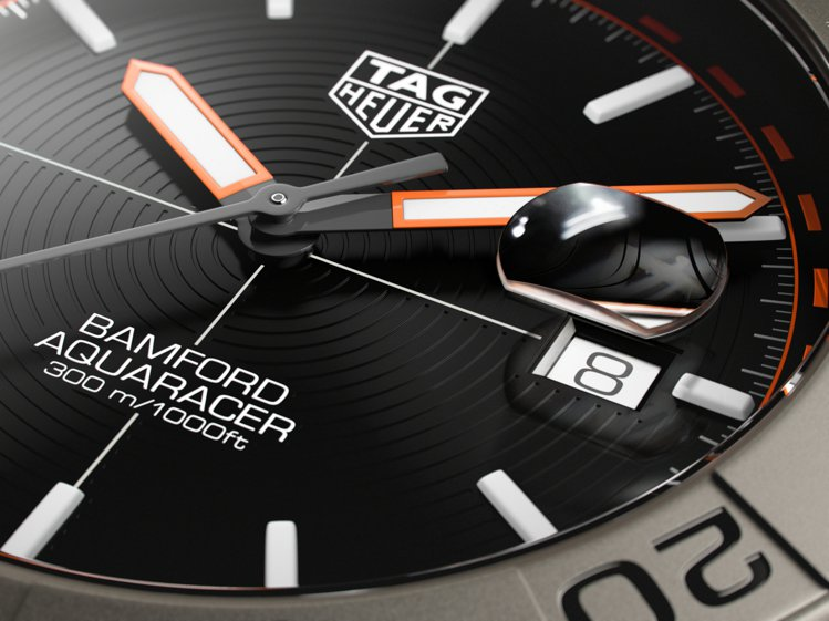 Bamford聯名款,改變的是原本橫向條紋的表盤,成為了同心圓刻紋裝飾。圖/TA...