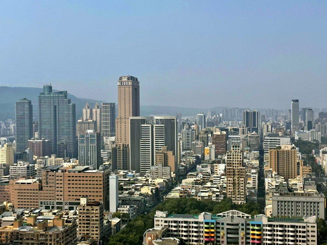 高雄11月買賣移轉棟數創今年新高。 圖/台灣房屋提供
