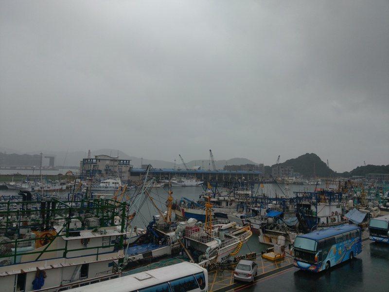 仰賴外籍移工的漁業界,認為缺工問題在疫情未見降溫的當下「無解」。記者張議晨/攝影