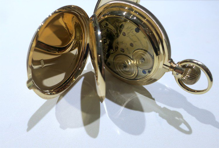 從德國原廠親底台灣的一只18世紀黃金獵人懷表,展現了Mortiz Grossma...