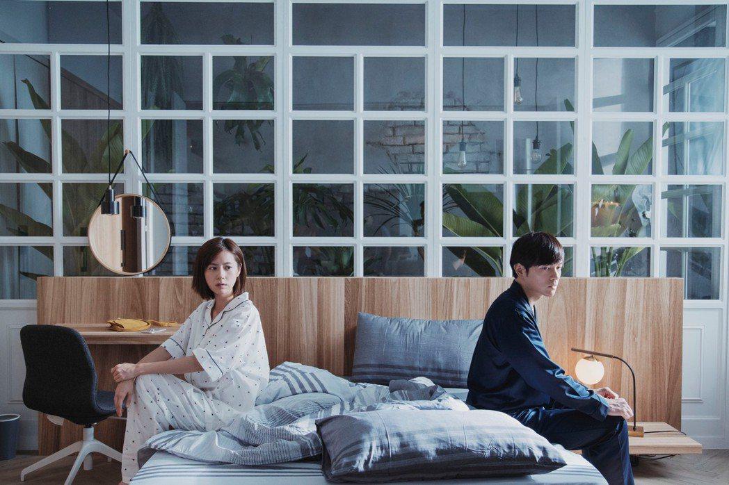 林予晞(左)、宥勝主演「戒指流浪記」。圖/HBO Asia提供