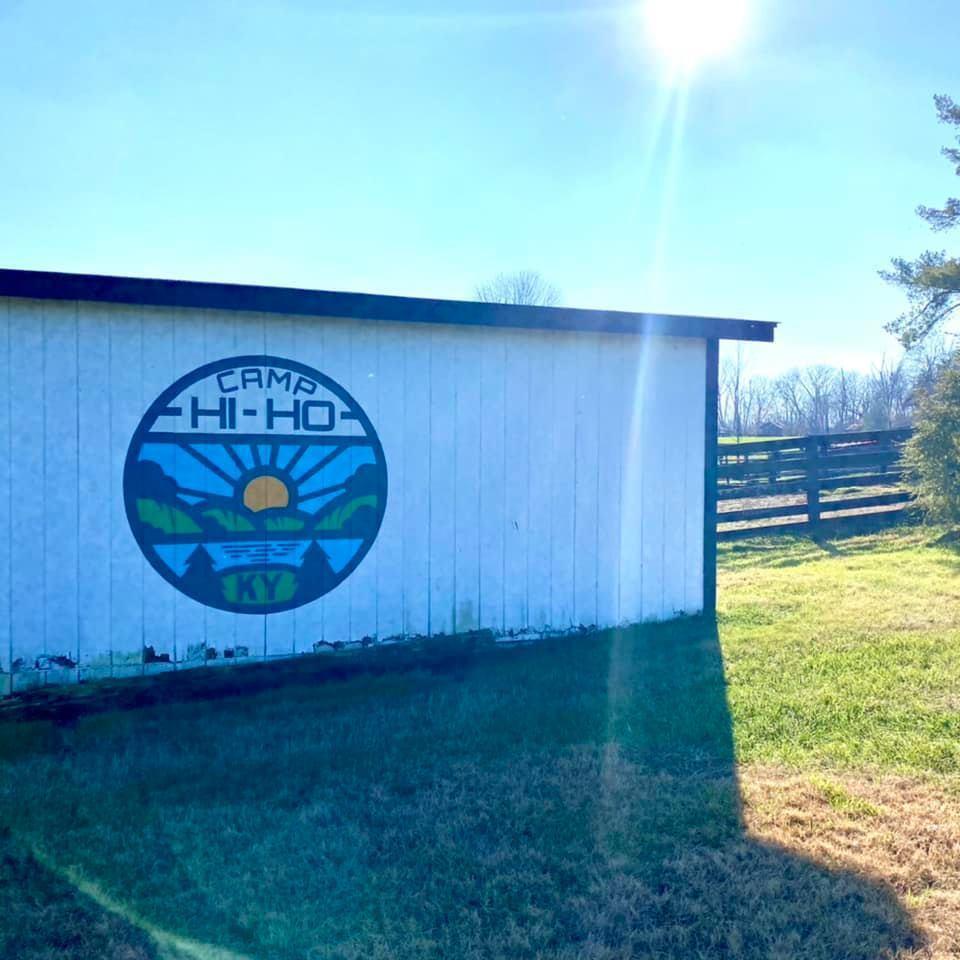 珍妮佛勞倫斯老家的農場也有經營夏令營業務。圖/摘自facebook
