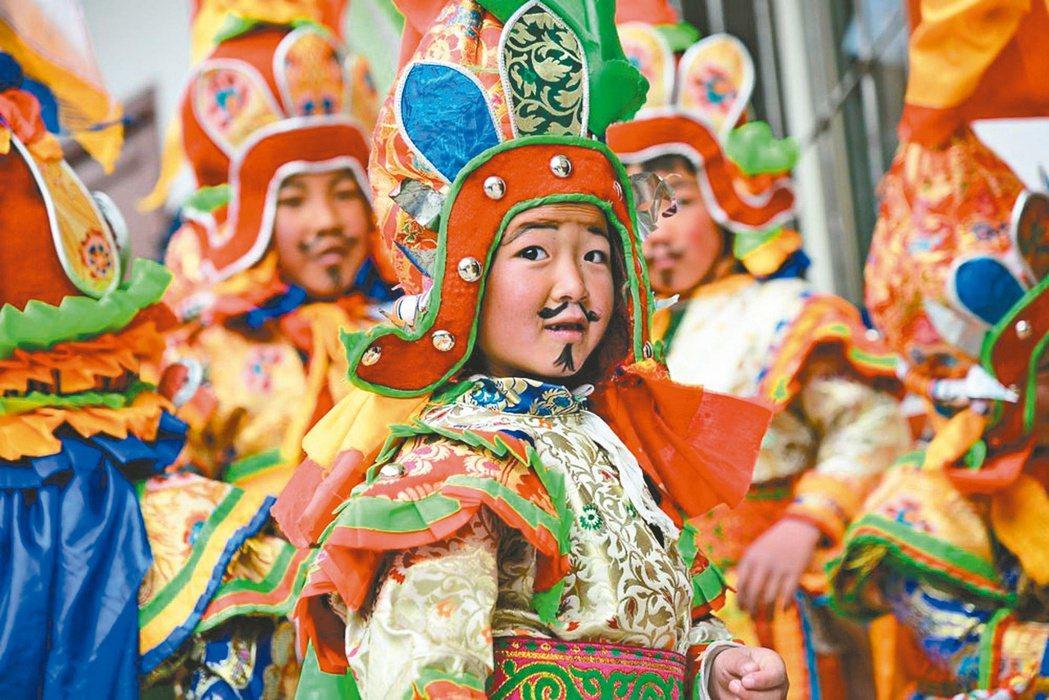 百年回眸:藏戲藝術有近600年的歷史,是藏族文化的活化石。圖/本報四川阿壩州傳真