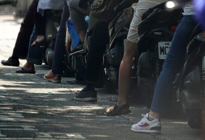 在台灣哪個縣市騎車最危險?台南、高雄、台北都在網友排行榜上。 記者胡經周/攝影