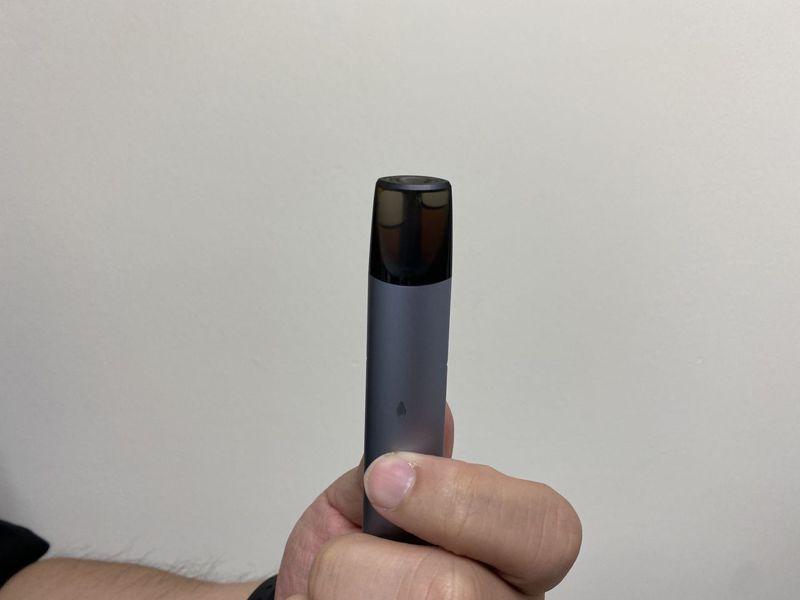 台灣近6萬青少年抽電子菸,菸防法卻原地踏步13年,讓管制陷入空窗期。本報系資料照/記者趙容萱攝影