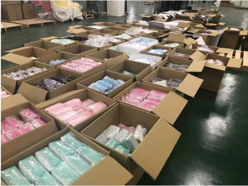 口罩國家隊台灣精碳公司未經主管機關許可,私設產線製造醫用口罩。經濟部今天表示,目前市售實名制及戰備庫存口罩中,沒有台灣精碳產品。 聯合報系資料照