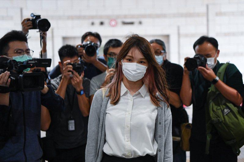 前香港眾志秘書長黃之鋒、成員周庭(中)和主席林朗彥三人涉嫌去年6月21日包圍警察總部,三人均承認所有控罪。香港中通社