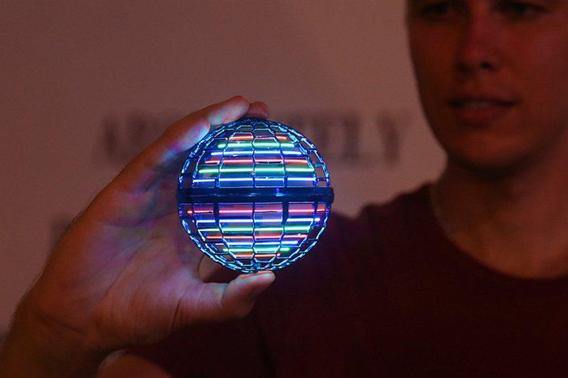 Flynova Pro魔幻飛行球。圖/有.設計uDesign提供。