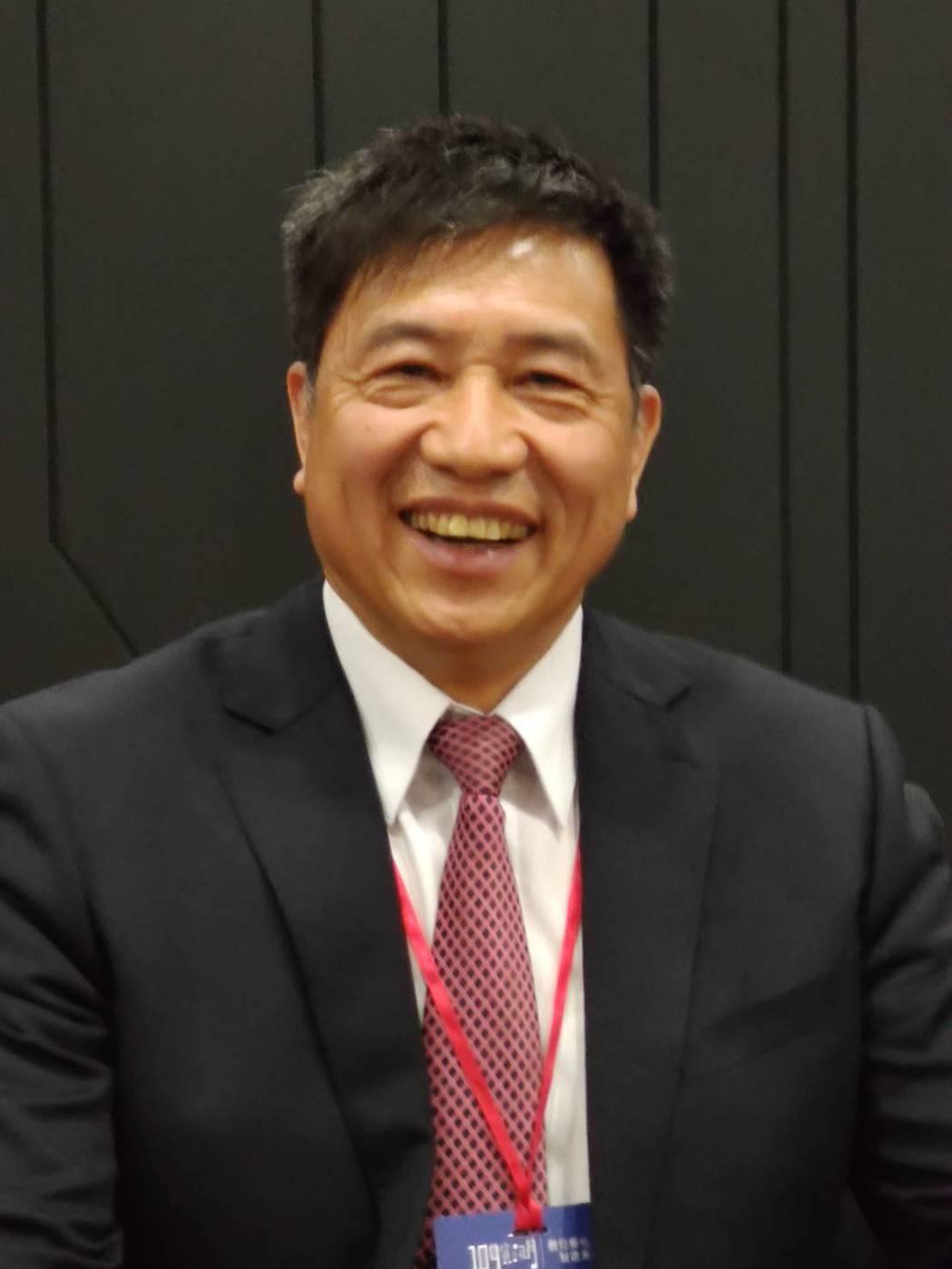 台北市電腦公會理事長彭双浪在109年資訊月開幕典禮致詞表示,今年資訊月三項重點,...