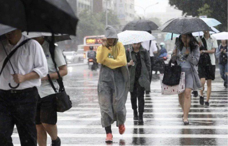 中央氣象局說,要到下周一才會逐漸回暖。聯合報系資料照