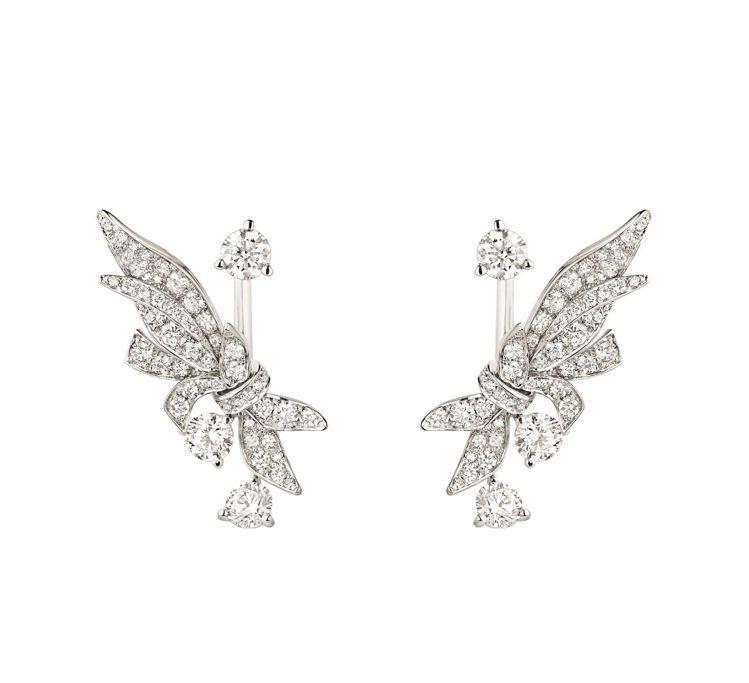 CHAUMET Laurier 18K白金鑲鑽耳環,90萬元。