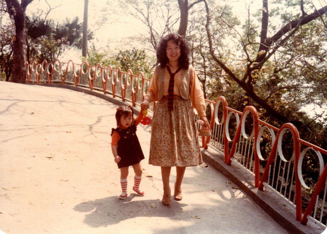 楊仁亞(左)自嘲兒時是個養尊處優的都市小孩。圖/楊仁亞提供