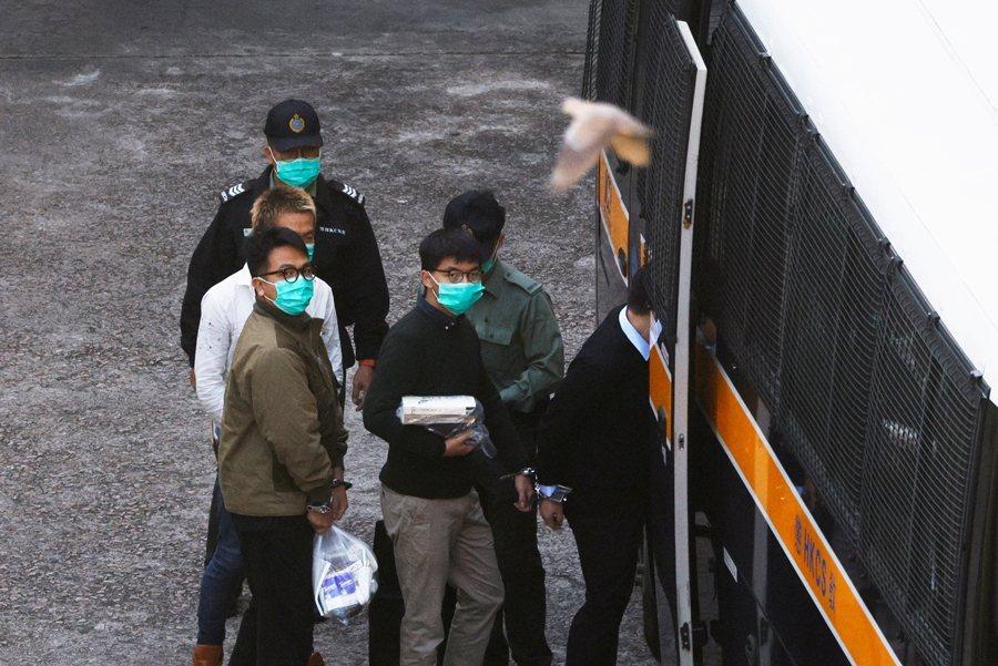 前香港眾志成員黃之鋒遭判監禁13.5個月,攝於12月2日。 圖/路透社