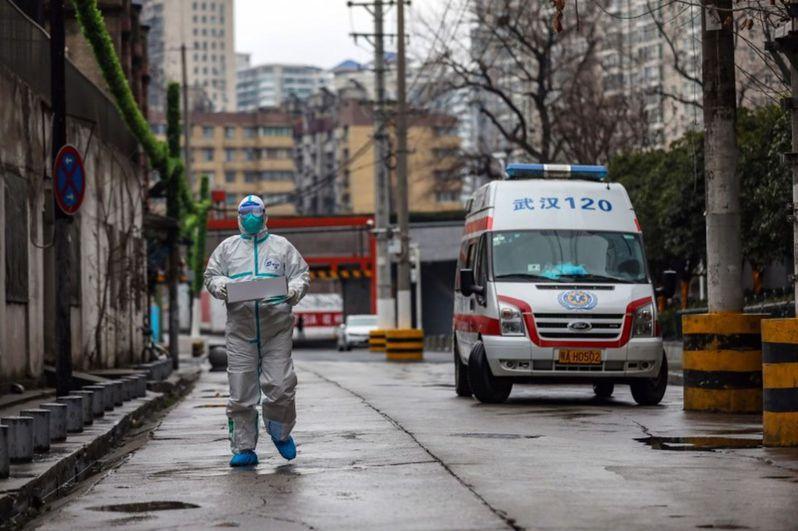 武漢封城時,除了防疫人員,大街上空無一人。歐新社