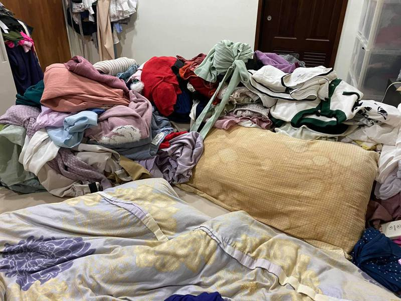 高嘉瑜日前貼出房間照片,引發網友熱烈討論。圖/翻攝自高嘉瑜臉書