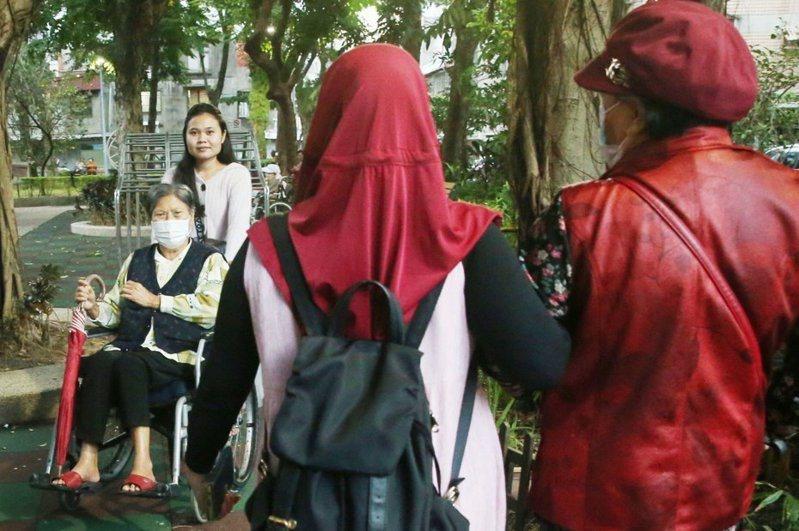 12月4日起暫停引進印尼移工入境2周。圖為示意圖。記者林俊良/攝影