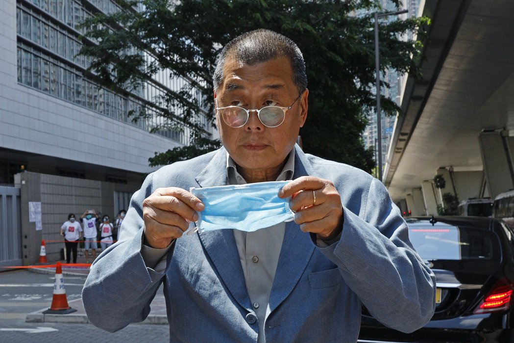 圖為壹傳媒創辦人黎智英今年5月出庭時照片。美聯社